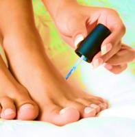 Лаки против грибка ногтей на руках и ногах. Когда лаки лечат?